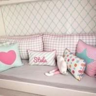 almofadas na decoração do quarto das crianças 11