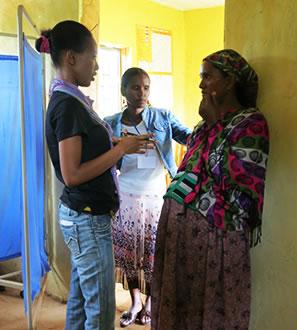 https://i0.wp.com/www.maternityworldwide.org/wp-content/uploads/2012/07/risk-screening-2-Ethiopia2.jpg?resize=297%2C330