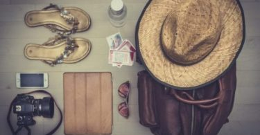 how to pack light for traveling