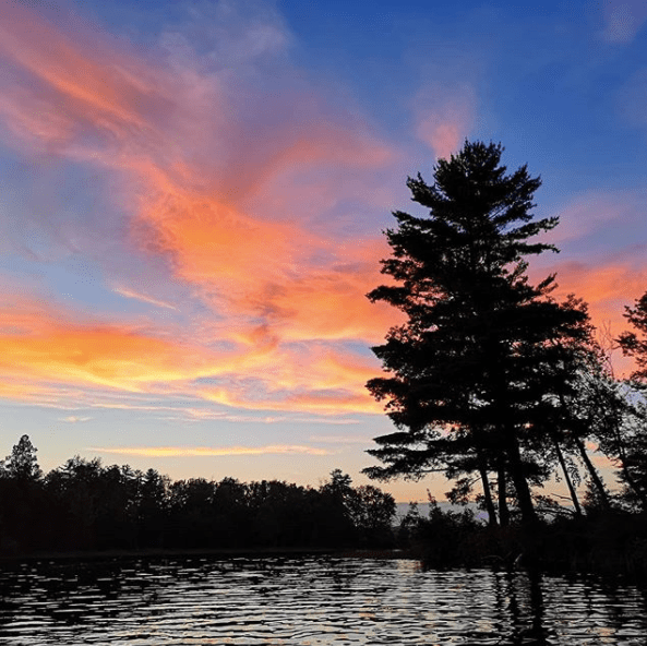 """This image has an empty alt attribute; its file name is Mathew-Ingram-on-Instagram-""""Gorgeous-sunset-last-night-as-I-paddled-around-the-lake-kayaktime"""".png"""