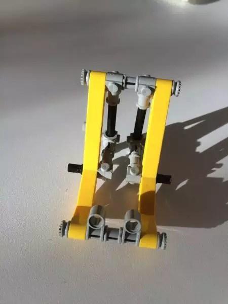 smartphone halter aus lego handyhalter mathias j kel. Black Bedroom Furniture Sets. Home Design Ideas