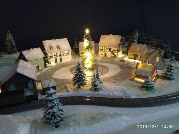 TT Eisenbahn Winterlandschaft fertig - Beleuchtet