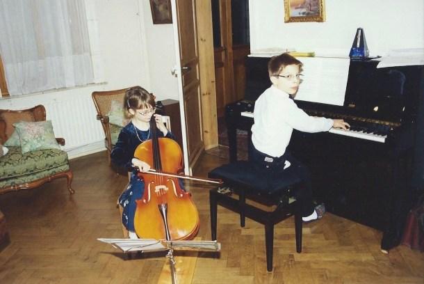 La musica in famiglia con il suo fratello Guillaume Sigier