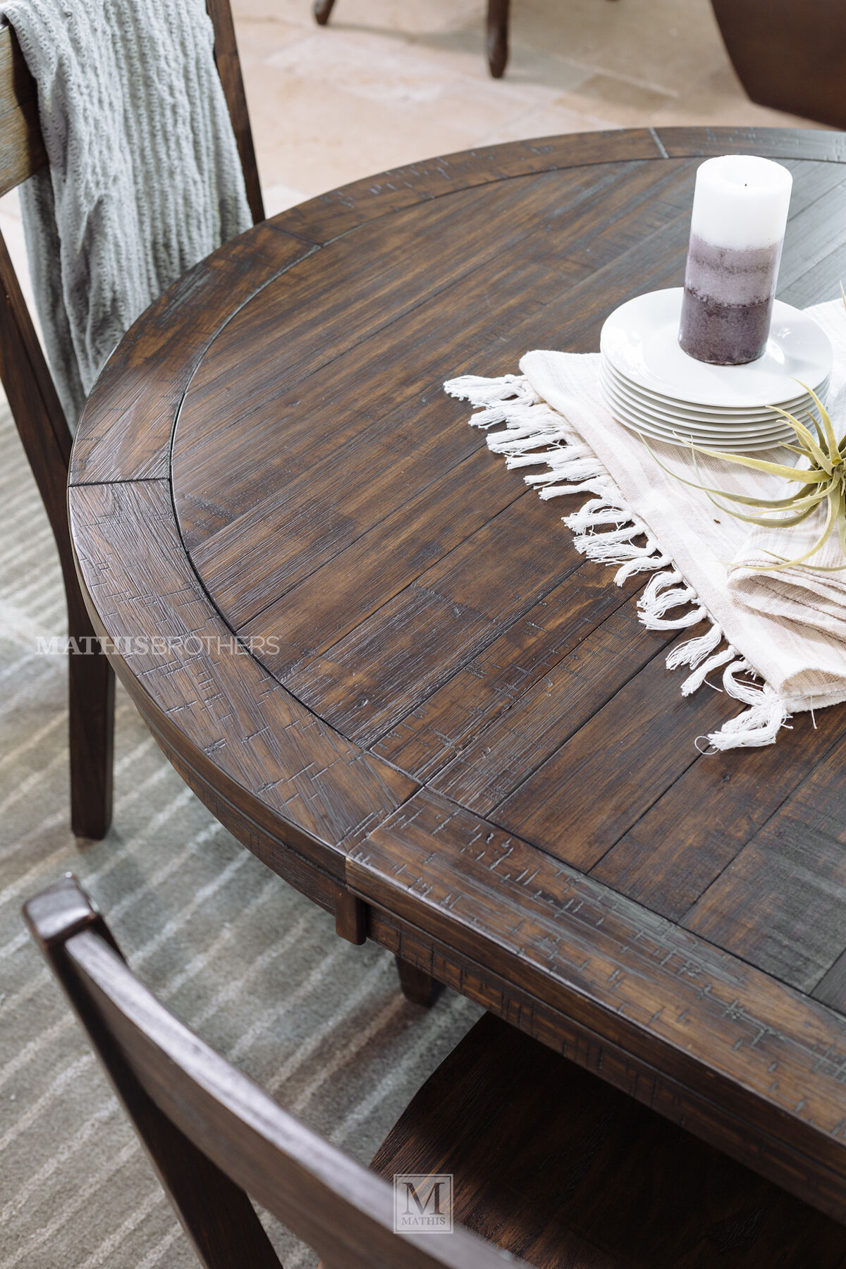 Rustic Farmhouse 48 To 66 Round Solid Pine Table In Dark