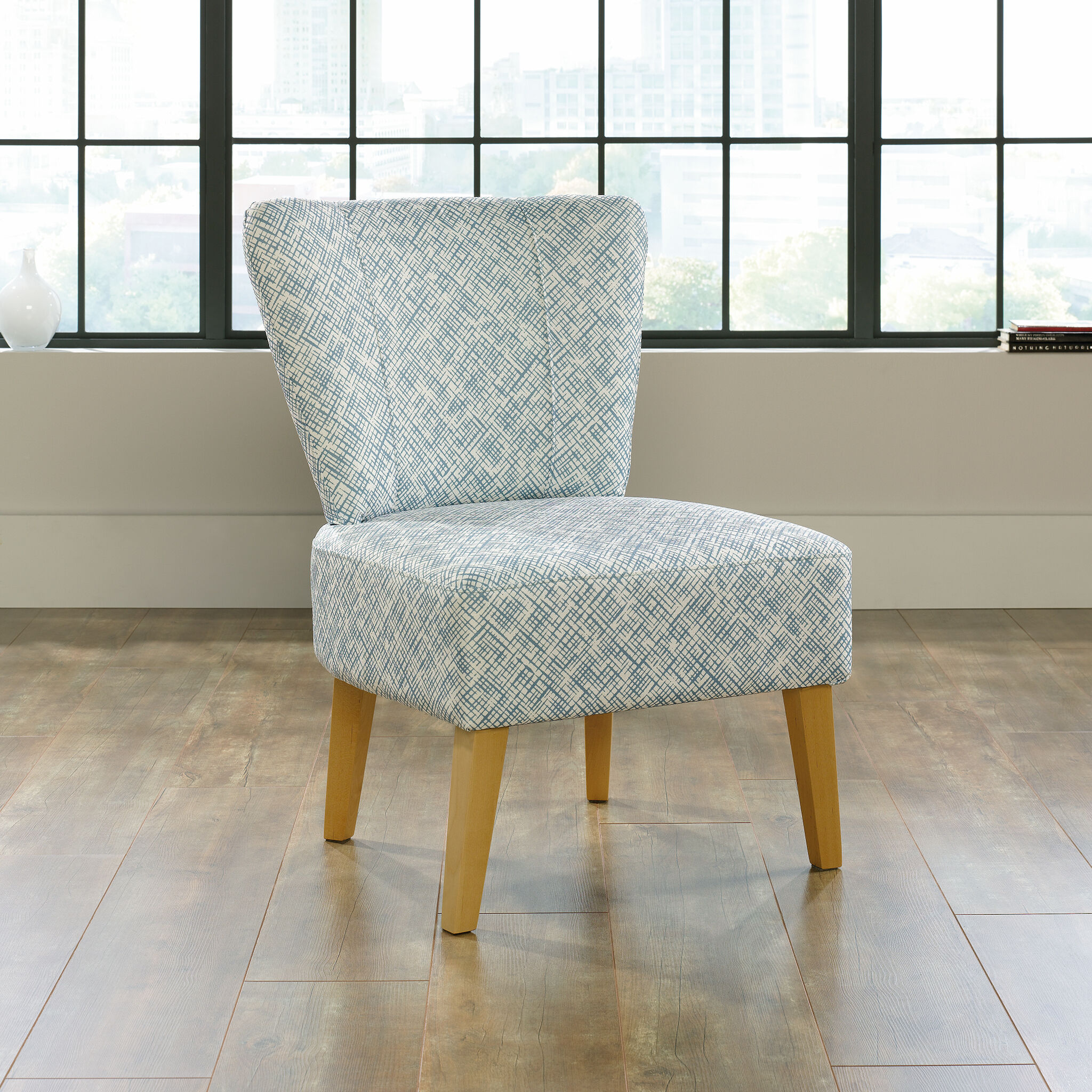 Contemporary ThatchPatterned 25 Accent Chair in Blue