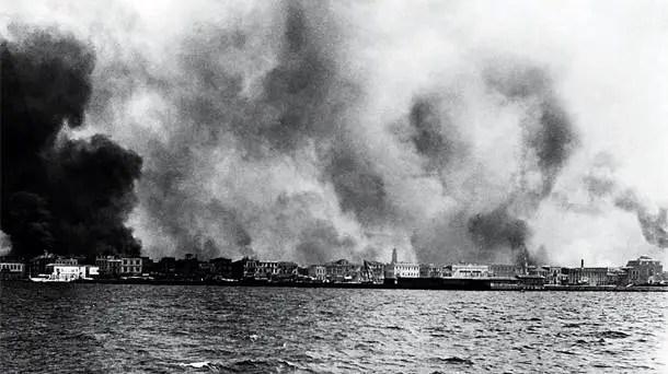 η Σμύρνη καίγεται, καταστροφή της Σμύρνης, 1922