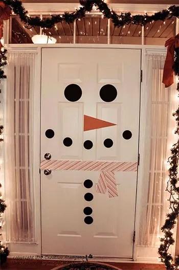Ένας χιονάνθρωπος στην πόρτα σας