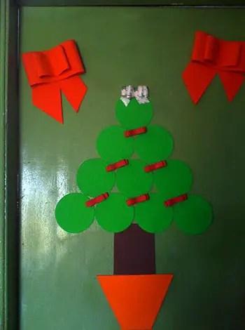 Χριστουγεννιάτικο δέντρο για την πόρτα