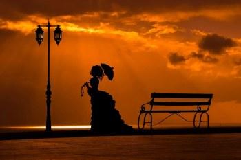 Woman-bench-lantern