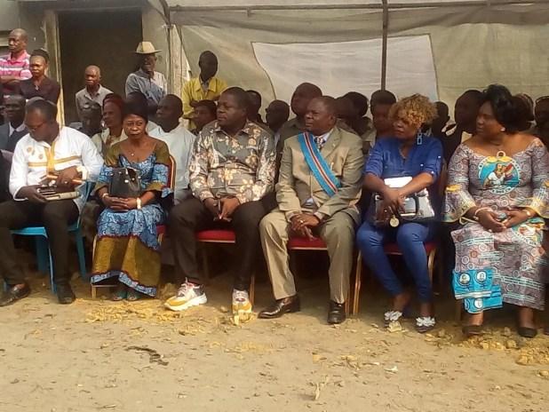 Le Ministre Charles Mbuta Muntu inaugurant le pont Kisangani