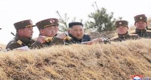 KIM JONG UN dirige la compétition de canonnage des Unités interarmes du Secteur Ouest du Front
