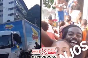 Ivete manda caminhão com alimentos para Vidigal e emociona: vídeo 80