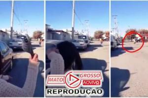 """Mamãe """"Ninja"""" acerta chinelada na filha a mais de 50 metros de distância (Vídeo) 84"""
