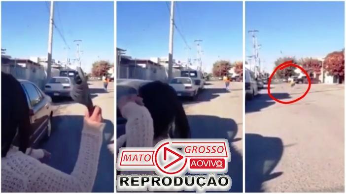 """Mamãe """"Ninja"""" acerta chinelada na filha a mais de 50 metros de distância (Vídeo) 65"""