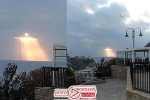 Italiano registra fenômeno no céu semelhante ao Cristo Redentor 78