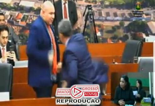 A falta de decoro parlamentar está sendo a tônica da Câmara de Cuiabá a cada nova sessão.