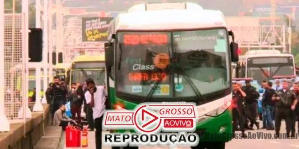Sniper abate sequestrador de ônibus no Rio de Janeiro e é aclamado por governador Witzel e Presidente Bolsonaro 24