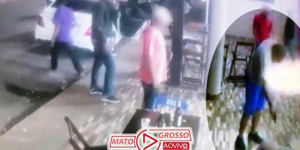 VÍDEO | Por causa de som alto, homem mata outro a tiros e depois é espancado e baleado (IMAGENS FORTES) 22