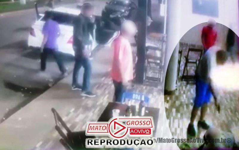 VÍDEO | Por causa de som alto, homem mata outro a tiros e depois é espancado e baleado (IMAGENS FORTES) 65
