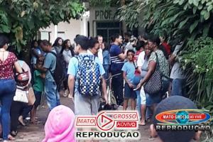 Pais de alunos de Alta Floresta adormecem na fila para conseguir vaga em escola do município, mas há vagas no município 65