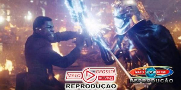 John Boyega não concordou com várias escolhas de Os Últimos Jedi 24