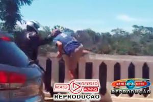 Tentativa de suicídio no Portão do Inferno em Chapada dos Guimarães é impedida por motociclista segundos antes da queda 62