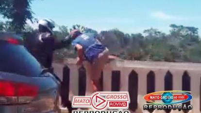 Tentativa de suicídio no Portão do Inferno em Chapada dos Guimarães é impedida por motociclista segundos antes da queda 11