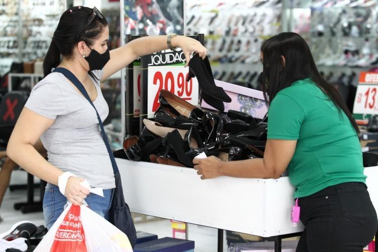 Confiança dos comerciantes de Cuiabá cai em maio, mas expectativa de contratação aumenta