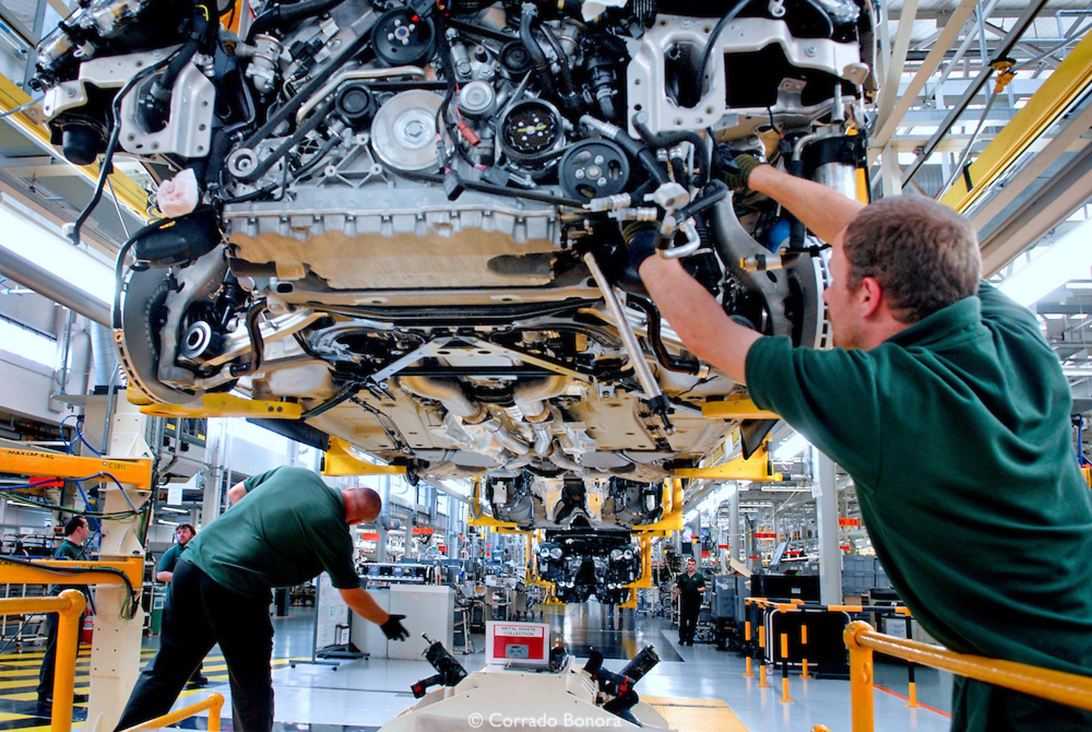 Estudo DHL Supply Chain: Pandemia impõe novos desafios logísticos para a indústria automotiva global