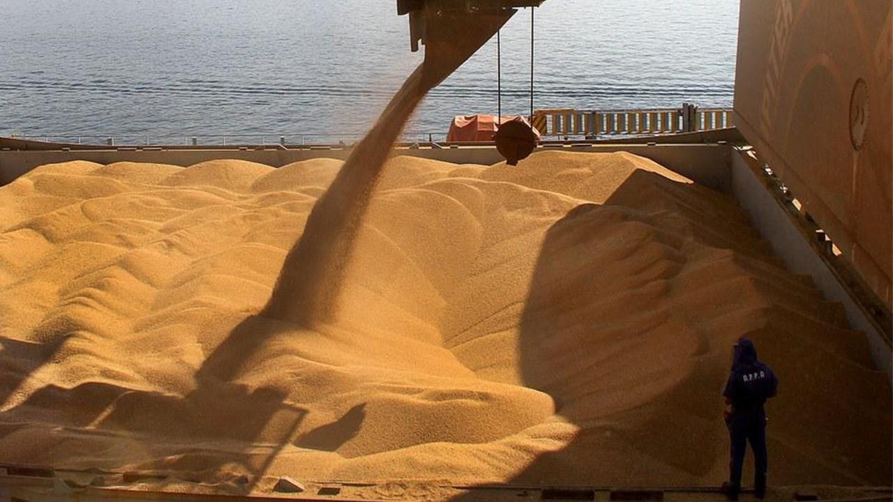 Soja e milho movimentam R$ 44 bilhões para Mato Grosso em exportação