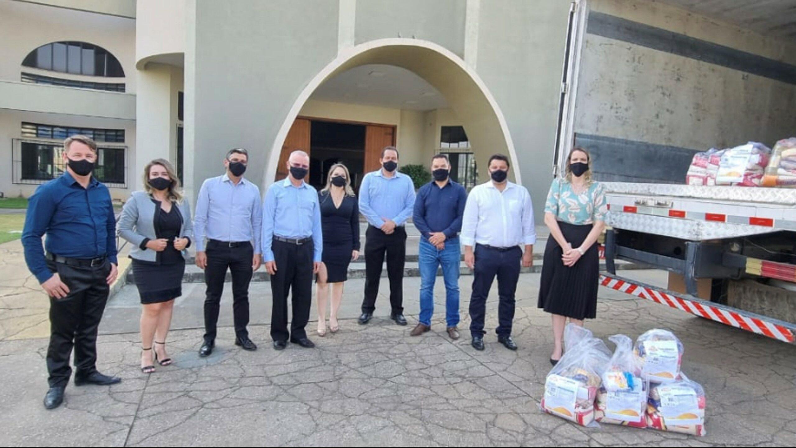 Cáritas Diocesana de Sinop recebe 1,7 tonelada de alimentos da Unicred MT