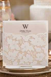 Con-Tasca-Fiori-Perle-Elegante-Biglietto-Matrimonio-p-WPL0024