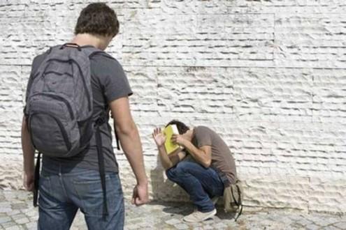 Αποτέλεσμα εικόνας για ξυλοδαρμό μαθητή