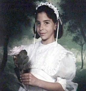 Olga Sangrador el dia de su primera comunión