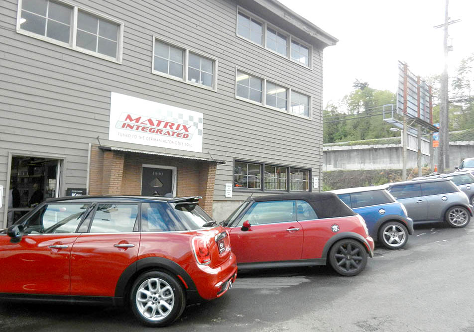 MINI Cooper, CooperS, Clubman in to see dealership-trained maintenance specialists