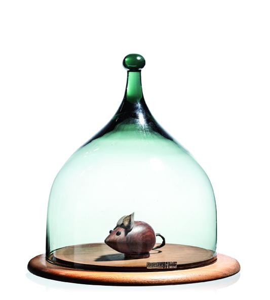 Benny Motzfeldt. Osteklokke. Modell: Benny. Produsert av Hadelands Glassverk. Tegnet i 1960. (Foto: Blomqvist Kunsthandel)