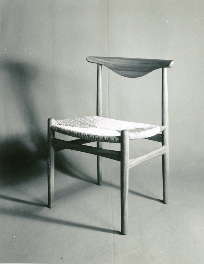 Sven Ivar Dysthe. Modell: 105/27. Produsert av Hiorth og Østlyngen. I produksjon fra 1956.