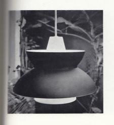 Lampen som feilaktig ble attrbuert Jørn Utzon i Mobilia (july, 1956).