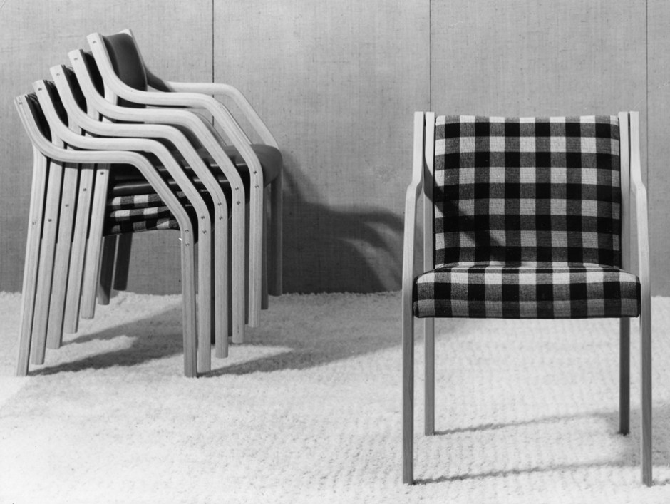 Sven Ivar Dysthes Laminette ble tegnet i perioden 1964/65-67 og satt i produksjon i 1967 av Møre Lenestolfabrikk. (Foto: Fora Form)