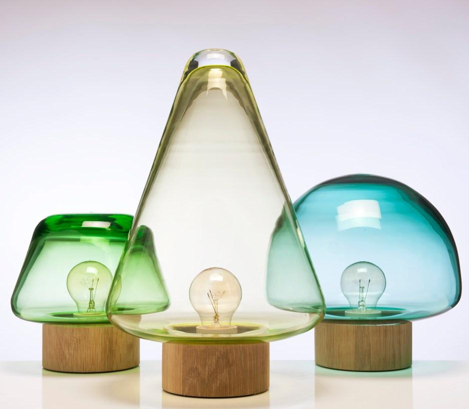 Caroline Olsson. Bordbelysning. Modell Skog. Produsert av Magnor Glassverk. I produksjon fra 2011. (Foto: Magnor Glassverk)