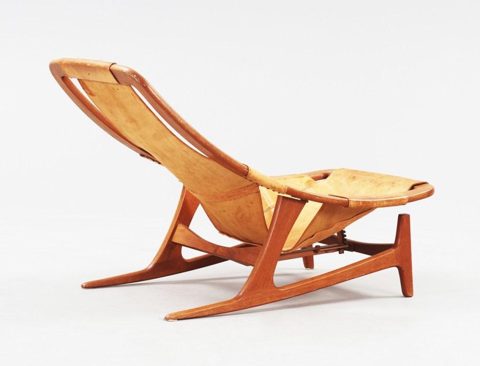 Arne Tidemand Ruud. Modell: Holmenkollen. Produsert av AS Inventar. 1959. (Foto: Bukowskis)