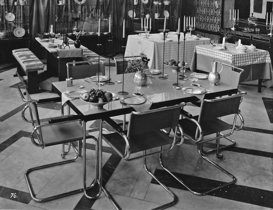 Foreningen Brukskunst borddekningsutstilling i Kunstnernes Hus 1933.