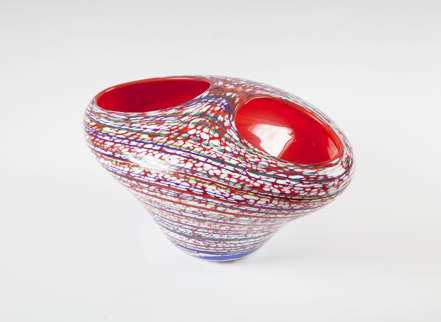 Arne Jon Jutrem. Vase. Kunstglass. Utført ved Hadeland Glassverk. Ca. 1994. (Foto: Mats Linder)