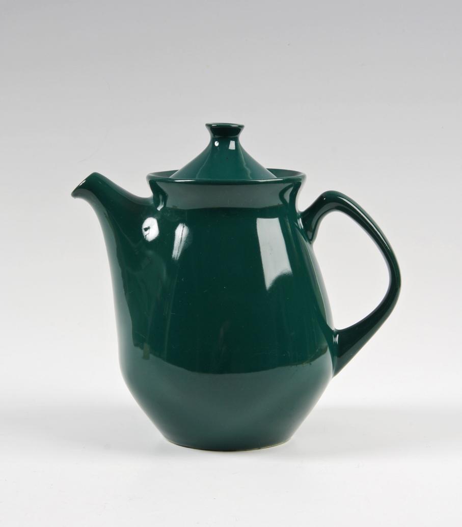Eystein Sandnes (form). Kaffekanne. Modell: Utstein. Dekor Tutti Frutti (Inger Waage – ca. 1955). Produsert av Stavangerflint. 1955. (Foto: Mats Linder)