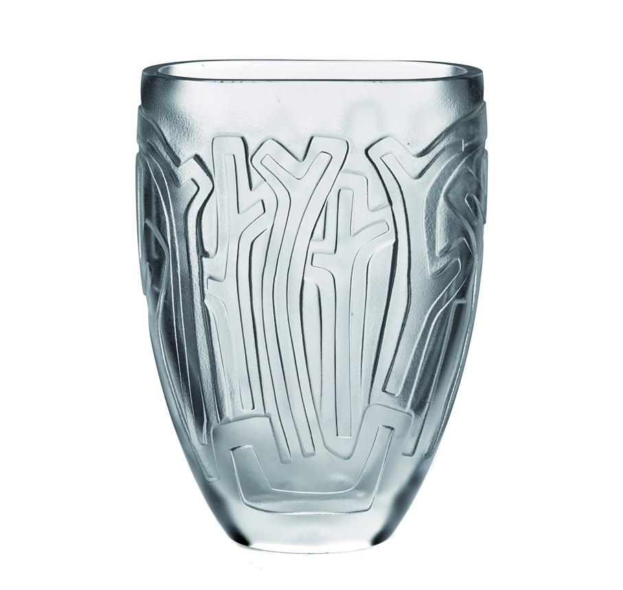 Lars Fletre. Vase. Krystallglass. Sandblåst dekor. Utført ved Hadeland Glassverk. 1947. (Foto: Blomqvist Nettauksjon)