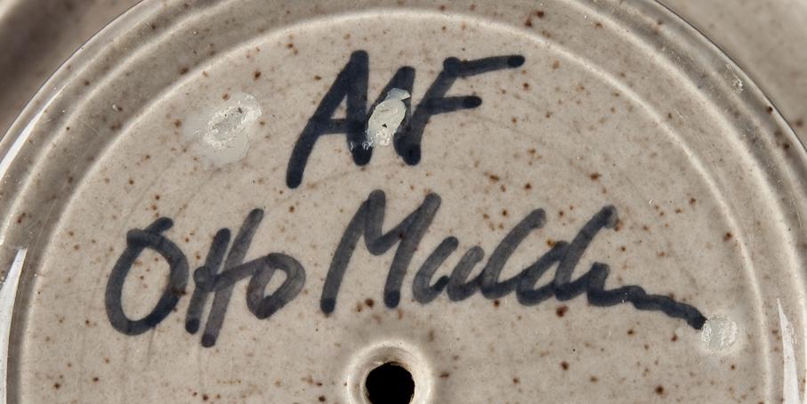 Otto Mulders signatur på en vase fra Arnold Wiigs Fabrikker.