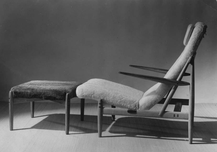Bendt Winge. Glidestol med fotskammel. Modell: 1013. Produsert av Bjarne Hansens Verksteder. 1958/59.