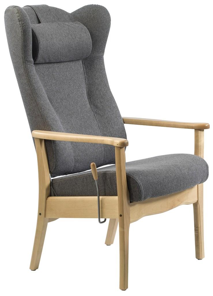 Stolen er med høy rygg og innsvungne sider slik at brukeren sitter trygt og stødig. På siden er en reglasje for å regulere ryggens sittevinkel.