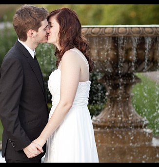 Regent's Park Autumn Wedding - Kiss by Fountain - Mat Smith Photography