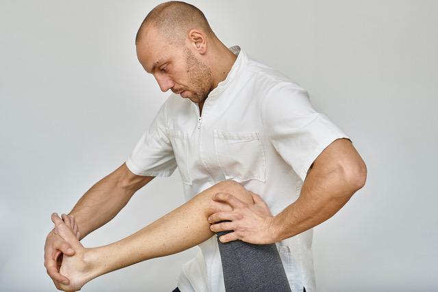 Trattamento osteopatico del dolore del ginocchio